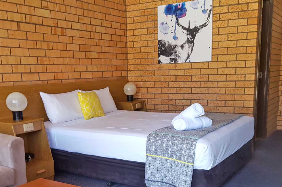 Deluxe Queen Room at Royal Palms Motor Inn Coffs Harbour NSW.